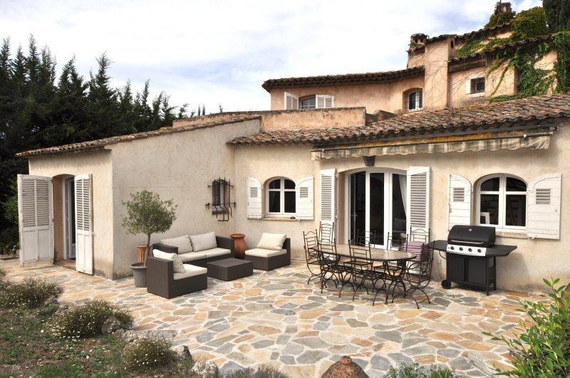 Location appartements studios maisons et villas cannes for Location appartement bordeaux et ses environs